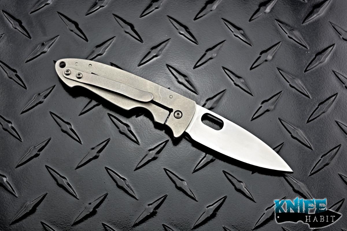 Tom Mayo Small Covert Wharny Carbon Fiber - Knife Habit
